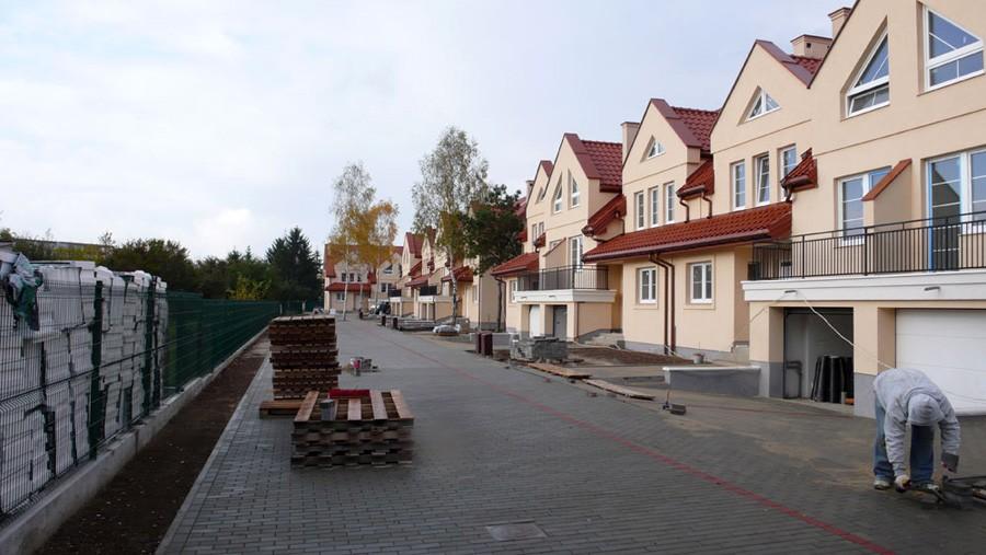 osiedle przy osiedlowej lomianki domy szeregowe z budowy 03